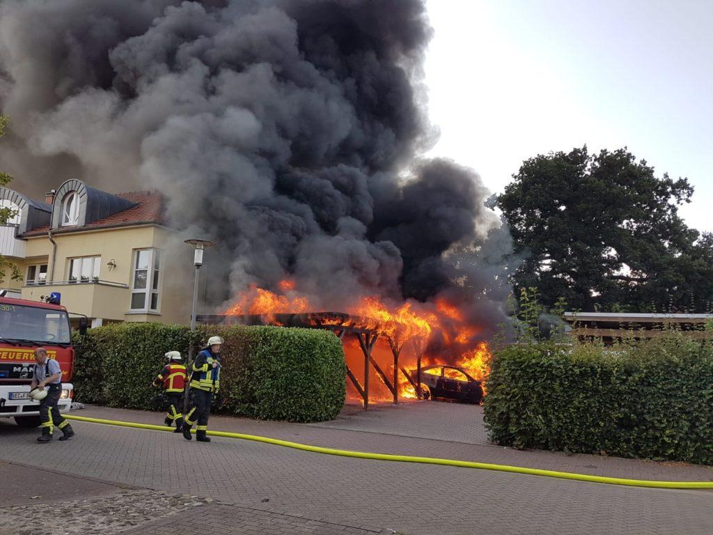 Großbrand, Gebäude- und Carportbrand