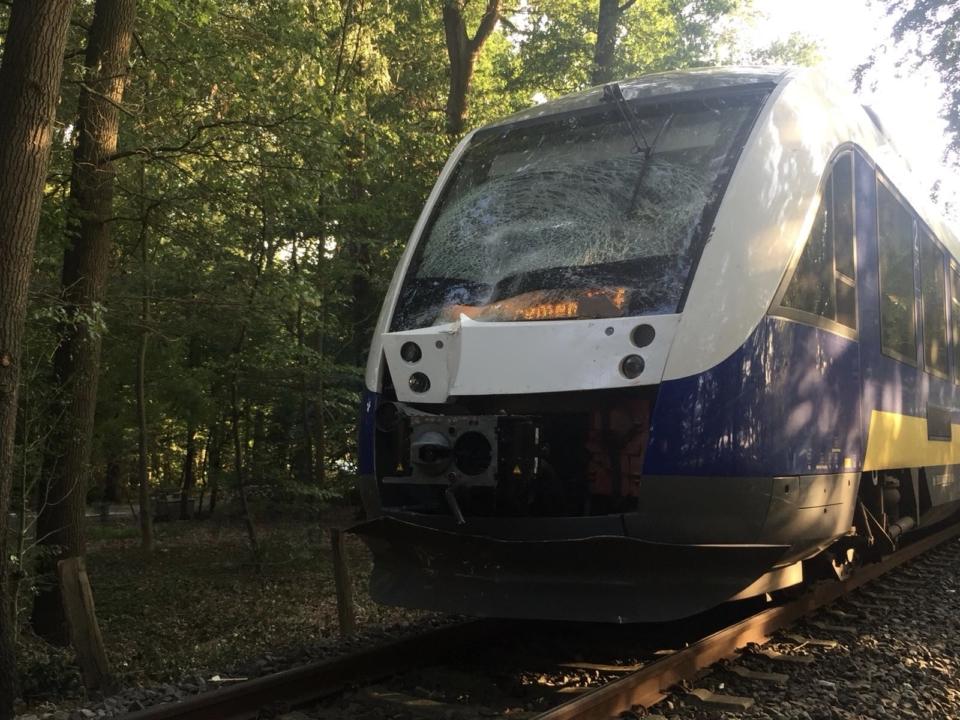 Verkehrsunfall – PKW von Zug erfasst